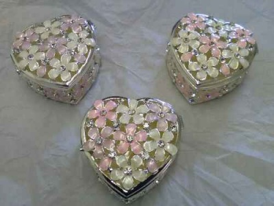 Jewellery Trinket Box Heart Shaped Daisy Flowers