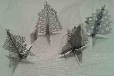 Christmas Tree Decoration: Hanging Metal Christmas Tree