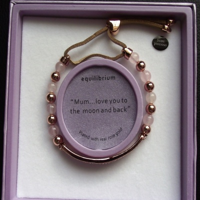equilbrium ''Mum... love you to the moon and back'' Bracelet